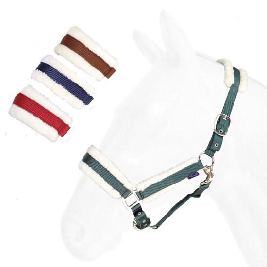 Capezza per cavallo In nylon doppio con fodera in agnellino sintetico, fibbie nickel.